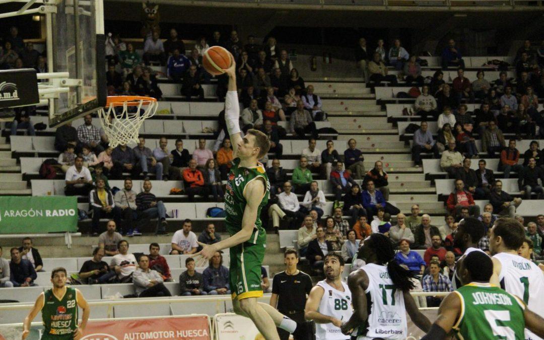 CRÓNICA| Levitec Huesca comienza el año ganando