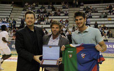 NOTICIA| La S.D. Huesca, homenajeada por el Club Baloncesto Peñas