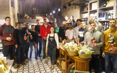 NOTICIA | Los jugadores de Levitec Huesca descubren los productos típicos de Huesca de la mano de Chez Marzola